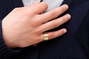 Ý nghĩa ngón tay đeo nhẫn phong thủy nên đeo ngón nào?