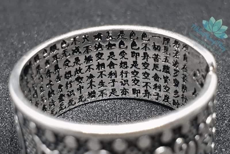 nhẫn khắc om mani padme hum