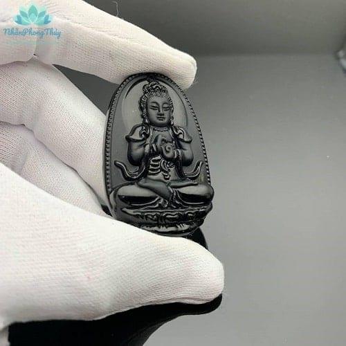 Phật bản mệnh Đại Nhật Như Lai tuổi Mùi, Thân